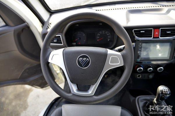 装2.2升柴油动力配双排驾驶室这款多用途的小卡之星只要6万多