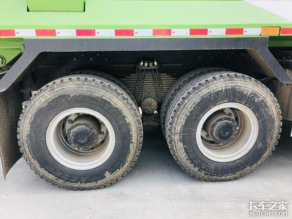 苹果绿的青汽JH6渣土车看着就很环保!