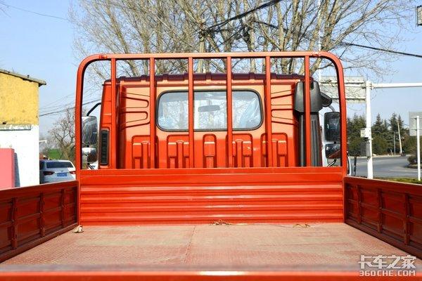 4米2轻卡配减震座椅还有卧铺这款国六时代领航6蓝牌无忧
