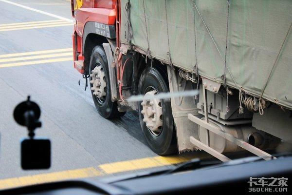 脑溢血成为货车司机杀手!警惕这4种征兆避免悲剧
