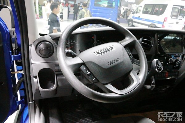 3.0T+8AT自动挡!依维柯欧胜详解你舍得用来拉货吗?