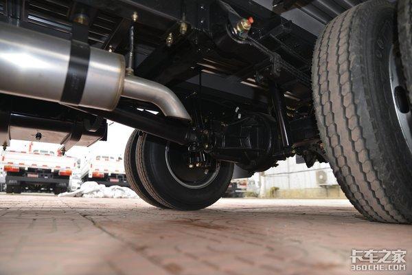 合规装载能力达1.735吨大运新奥普力蓝牌轻卡图解