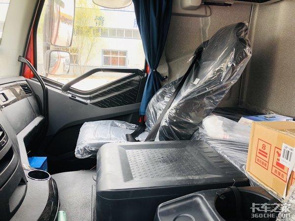 活鱼快运专属车型―一汽解放J6P质惠版绿通8x4载货实力之选