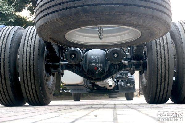 9米8还能选啥车?德沃斯Q9大单桥来了220马力配8挡超