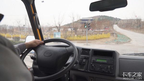 守护城市的光交通设施维保人员艾洋与江铃顺达的故事