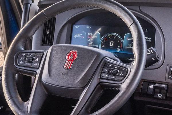 长头霸主换代!新一代肯沃斯T680详解美式豪华再升级!