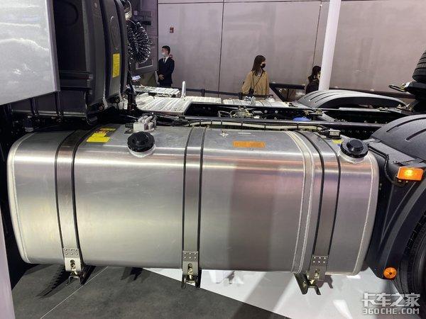 未来风向标580马力+AMT高科技配置超多欧曼银河亮相车展