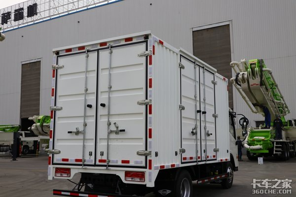 9万8买合规蓝牌轻卡时代H2装配全柴4B2发动机