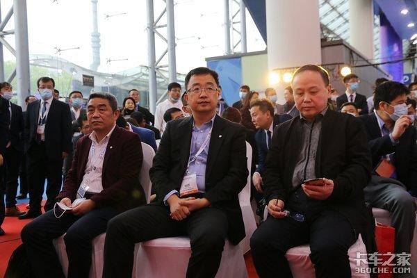 东风商用车杨鹏采访倾心打造龙擎DGi13燃气机