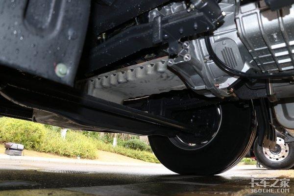 长头车优势不只是头长东风柳汽乘龙T5自重仅有7.9吨