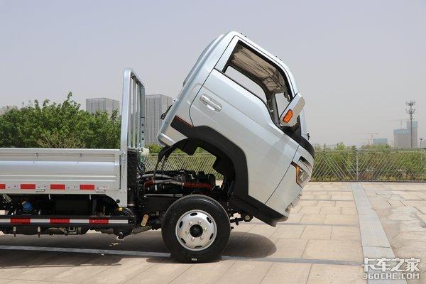 吉利锋锐VS豪沃智相小轻卡轻小卡车型再添两员猛将