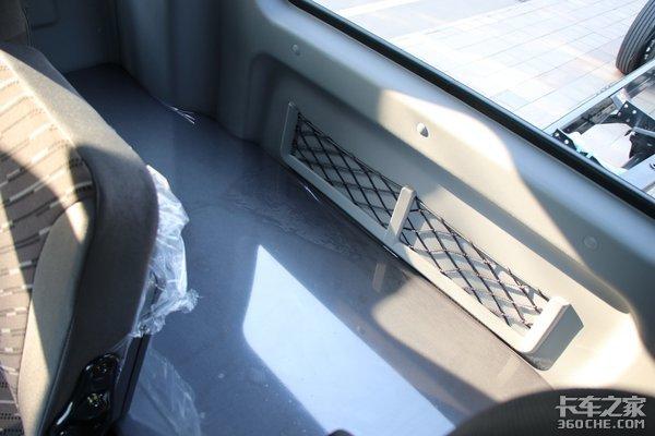 这车拉快递更爽大单桥福田领航ES7详解220马力带八挡箱