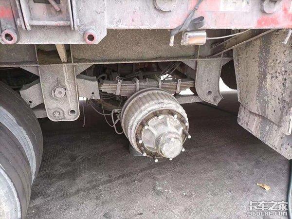《卡车小百科》认识卡车上的钢板弹簧