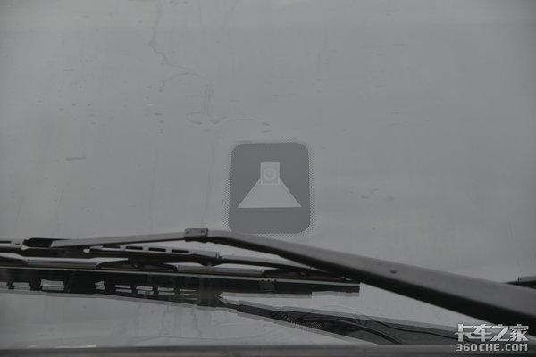 拉快递还用提升桥吗?NO!看看天龙这车如何?配备气囊悬架