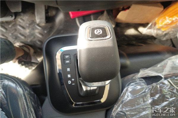 国六、AMT、坡道启停这辆德龙K3000轻卡配置太豪横