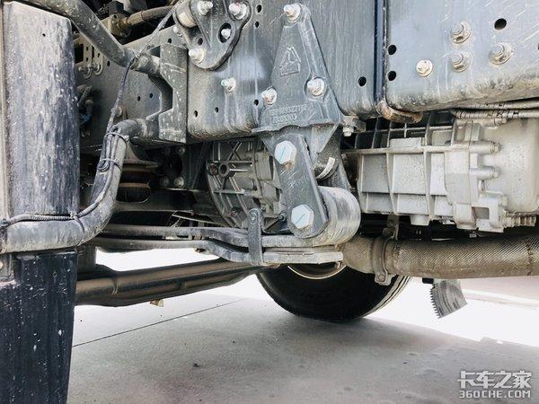 长途散户用车要选LNG看440马力的豪沃T7H怎么样