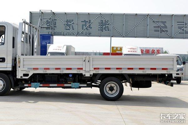 城乡建材运输怎么选车?这款蓝牌4米2唐骏金利卡性价比不错