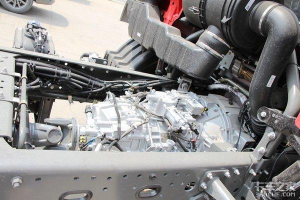 豪沃TX也带AMT无忧换挡250马力更适合跑长途散杂货运