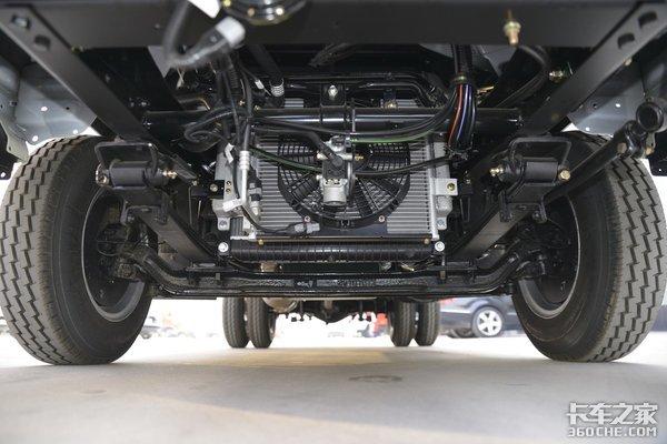 车宽1米95载重超2吨新解放虎VR如何?这身材非常诱人