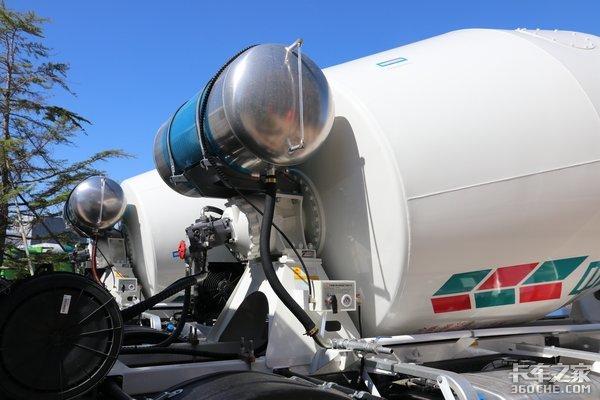 取消机械操纵机构青岛重工发布智联轻量化搅拌车