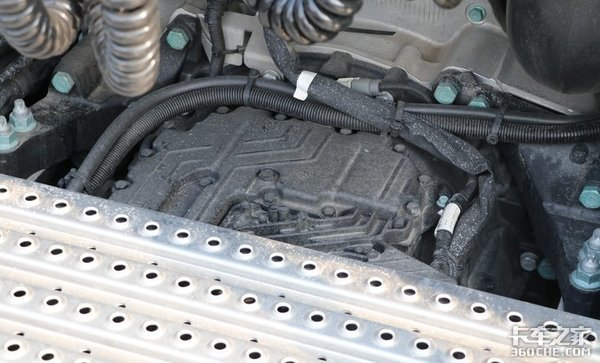 砂石料运输怎么选车440马力的曼恩TGX4x2牵引车怎么样