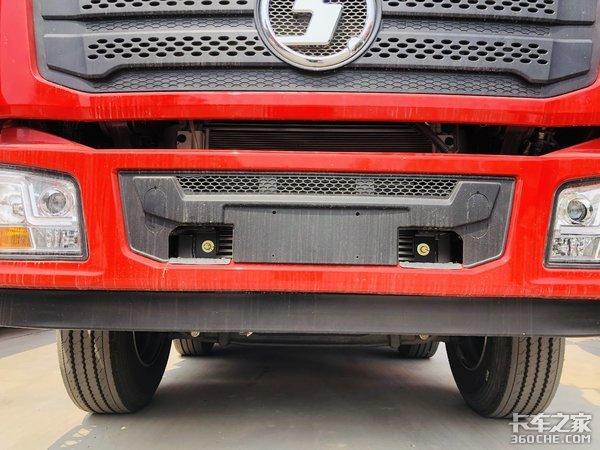 普货运输中的高端舒适车型图解陕汽德龙L3000