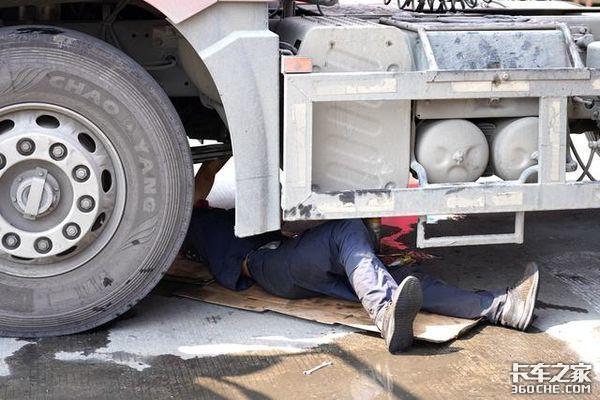 阻扰修车被抓 车坏在服务区能自己修吗
