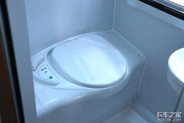 能做饭洗澡还有卫生间乘龙T7L简直就是个移动的家