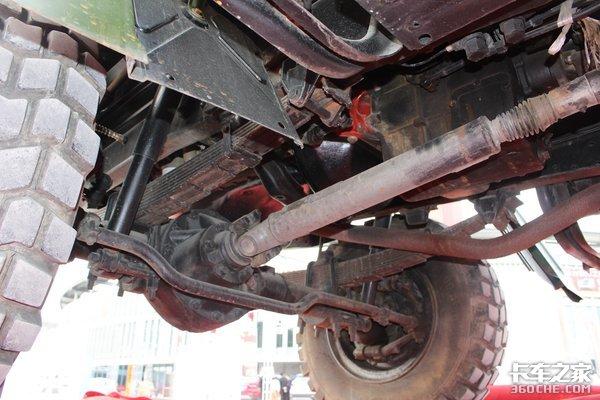 老司机选车(33)四驱越野卡车用处很多!转向横拉杆在桥壳前&在桥壳后