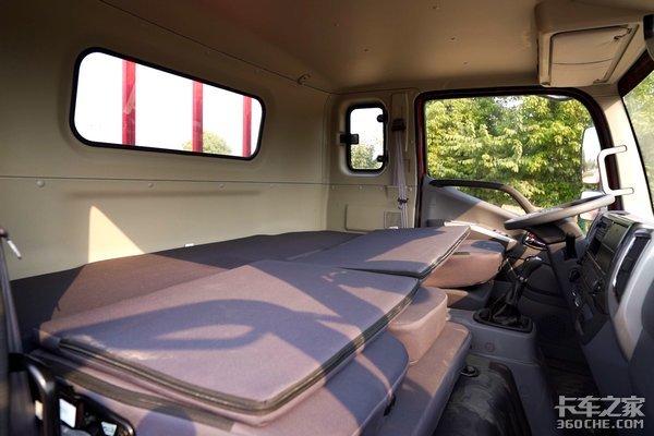 货厢更大动力更强驾驶室变双人床的领航ES5堪称麦客好伙伴
