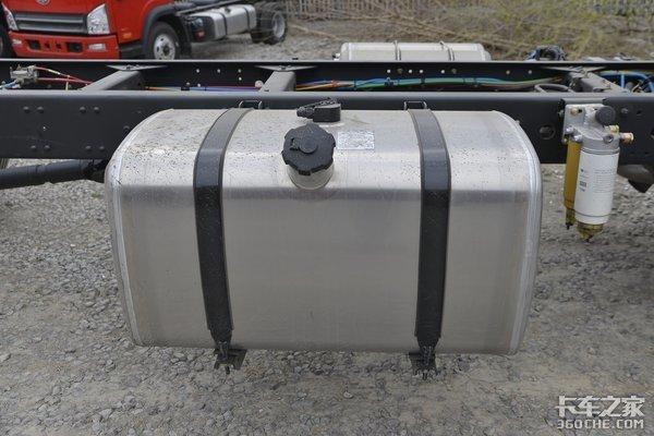 6米8高顶双卧6缸机这款240马力解放J6L17.8万能入手吗
