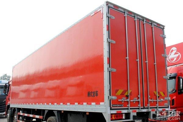 3000公里续航配定制化货厢这台乘龙H5小三桥竟有这么大马力!