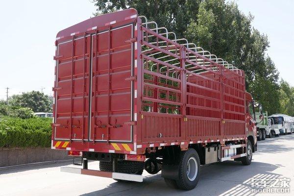 220马力配8挡箱仅售13.6万元用6米8栏板厢JK6拉百货能行吗?