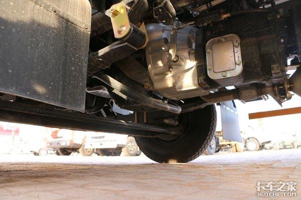 搭载493发动机还有大货厢江铃凯运升级版能跑又能装