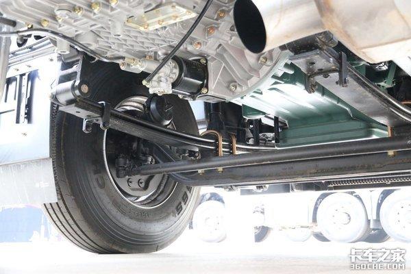 牵引车大清仓直降10万元强动力高可靠最低只需25万元!