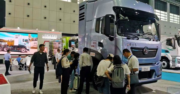 东风商用车可靠的新能源商品亮相第34届世界电动车大会