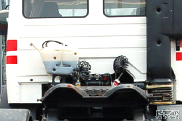 经典老车回顾三:最早使用奔驰技术的竟然是NG80?