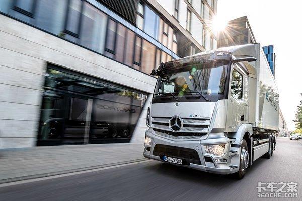 量产梅赛德斯-奔驰eActros纯电动卡车首秀推动运输业向碳中和转型
