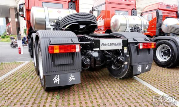 15升530马力还配AMT详评液缓加身后的解放JH6燃气车