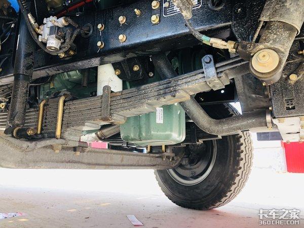 主驾配备伊思灵座椅解放J6L性价比真高短途散货配送就选它