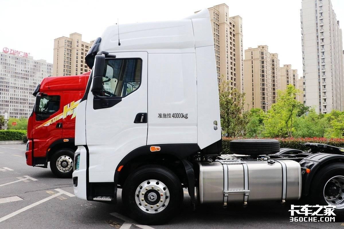 600马力配1300L大油箱跑干线物流还要看这台乘龙H7