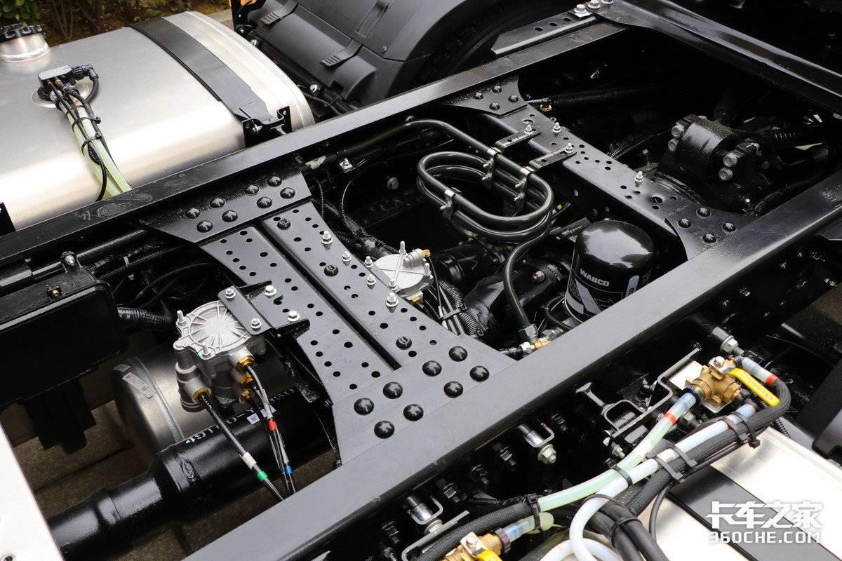490马力福康国六机配采埃孚AMT这款格尔发A5W有点抢眼!