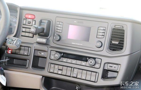 库存国五斯堪尼亚G4506x2R车型仅售65w,卡友直呼真挺香