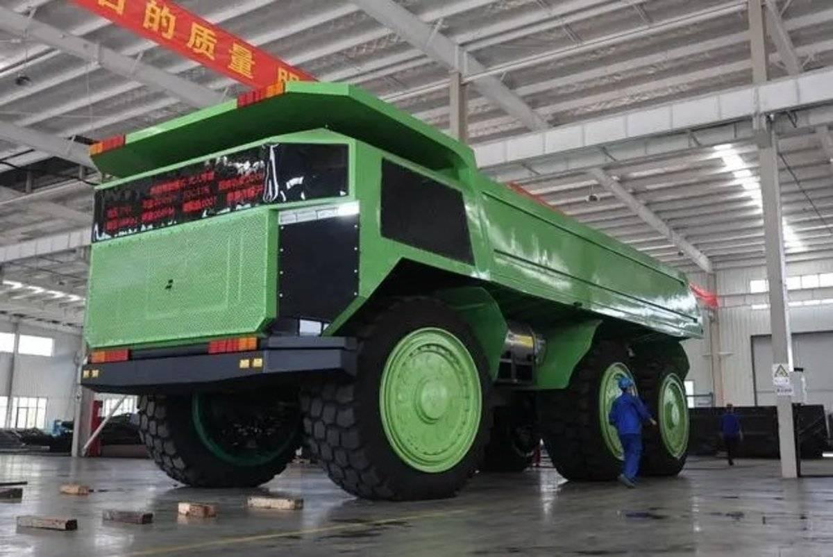 自重110吨载重150吨,150吨级无人驾驶智能矿山自卸车首台测试