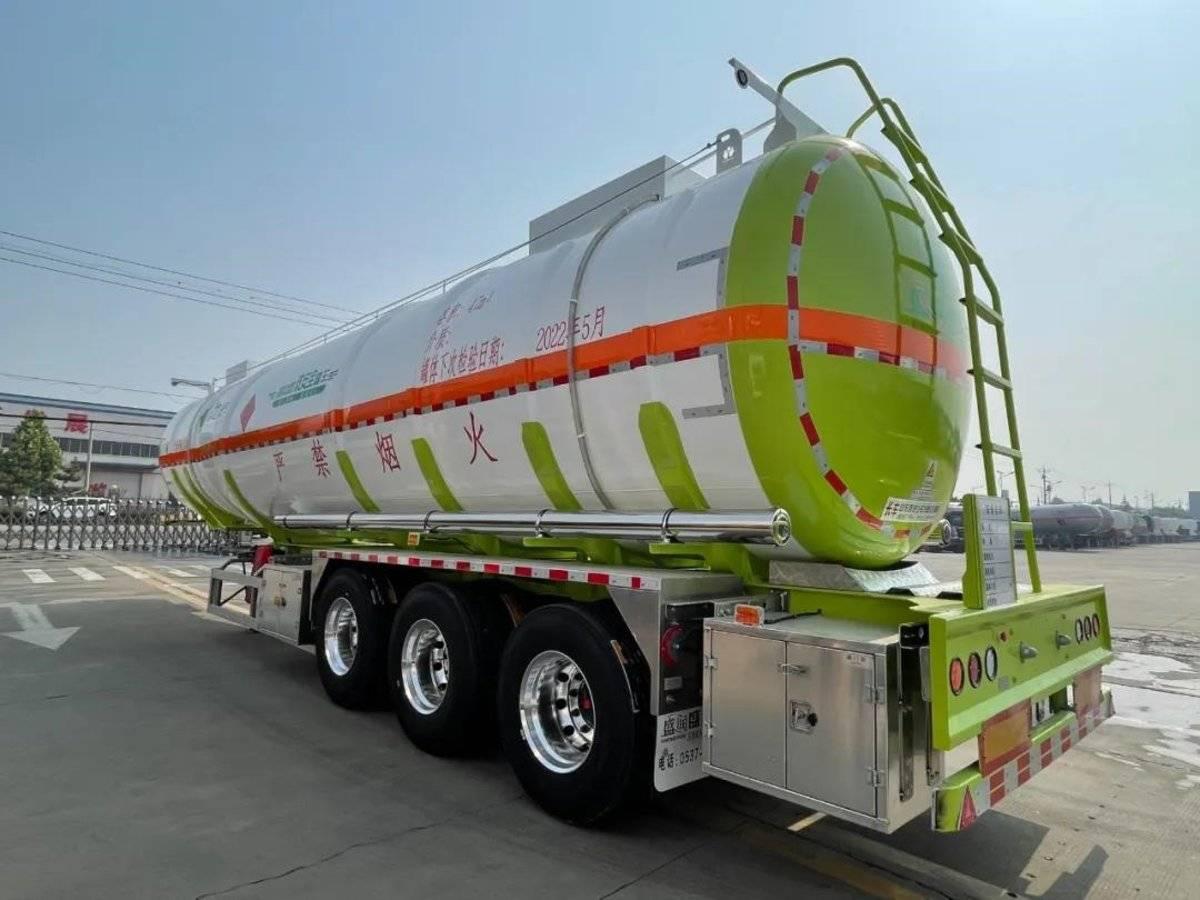 47立方大容量盛润汽车新品液罐车双安全保障