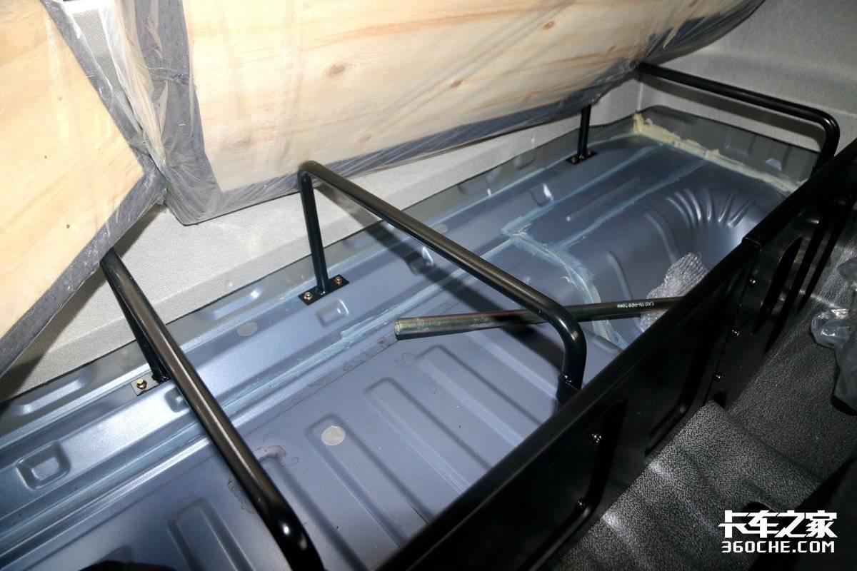 国六版的前4后6来了!带提升桥的三环昊龙能合规装20吨