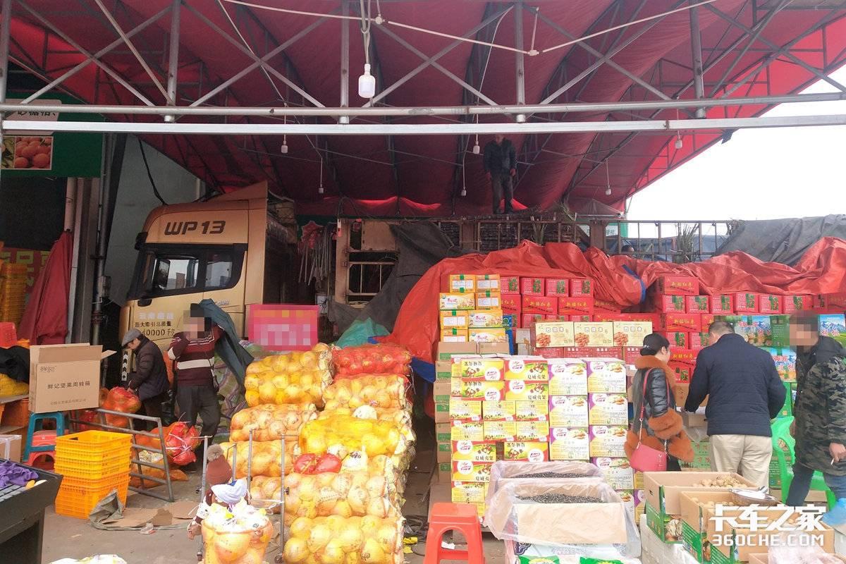 不处罚已备案的物资运输车闯禁行重庆为农副产品运输车开绿色通道