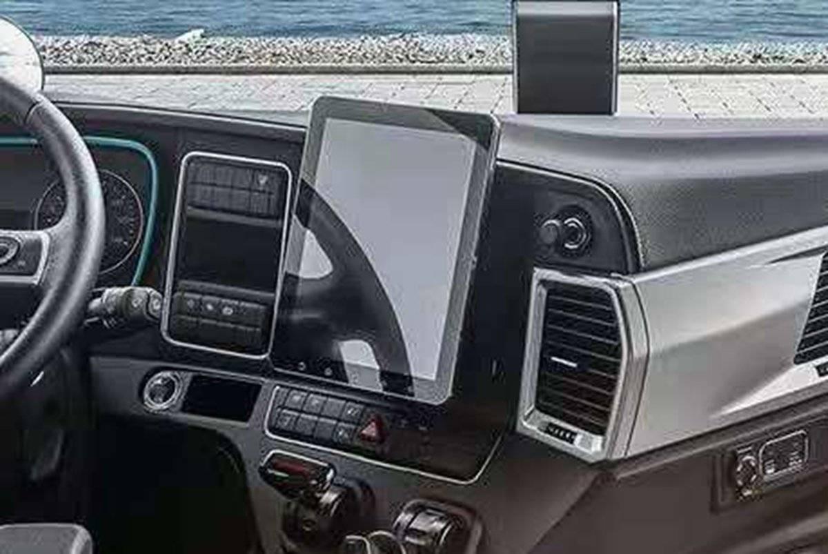 不止有智聆语音、车联网系统跨越V7都用了哪些智能化黑科技