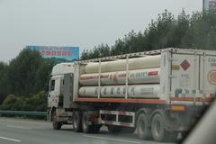 江苏出台新政 将加强危险品运输车管理