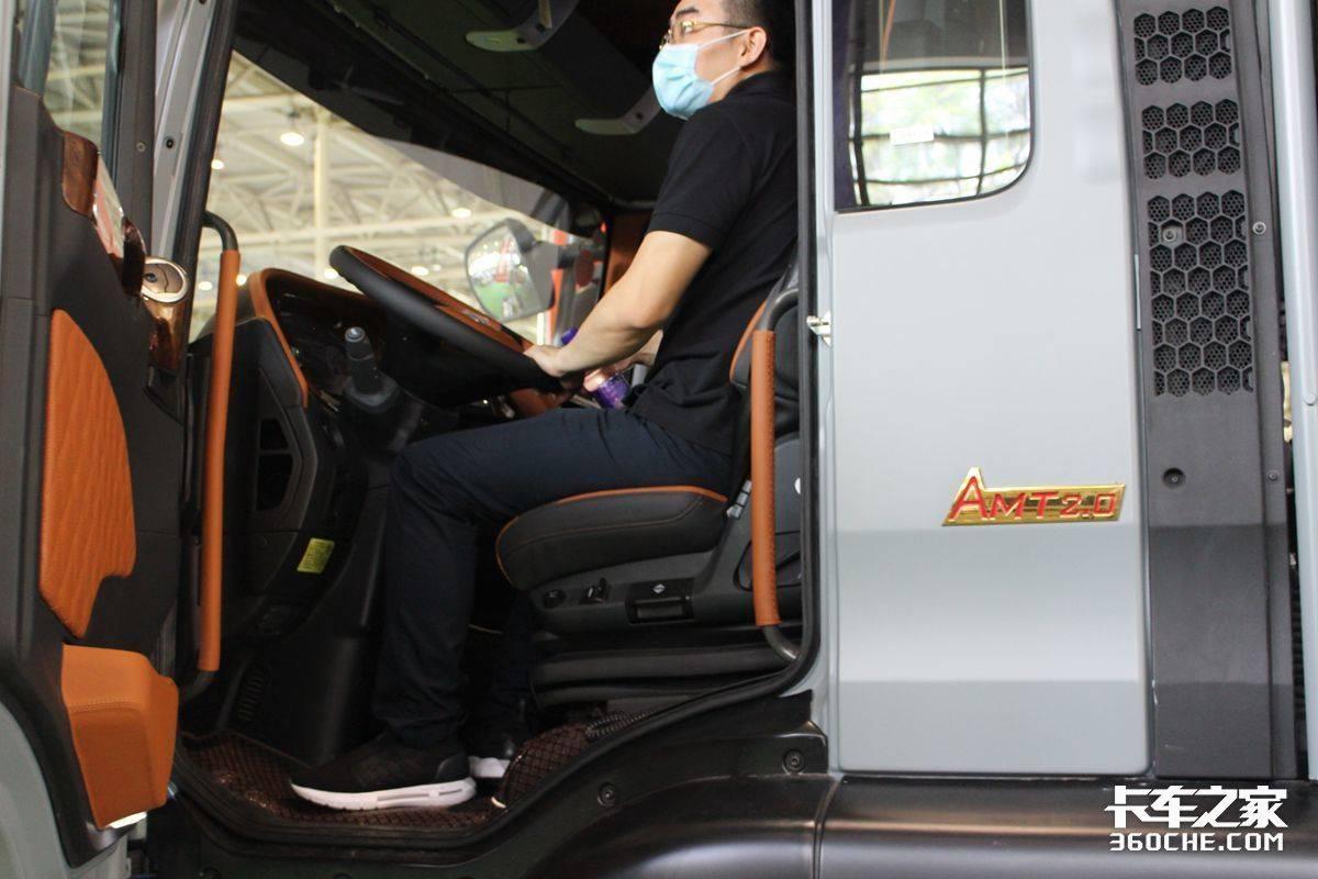 开着卡车去旅行让卡友们梦想成真!房车展上的卡车底盘